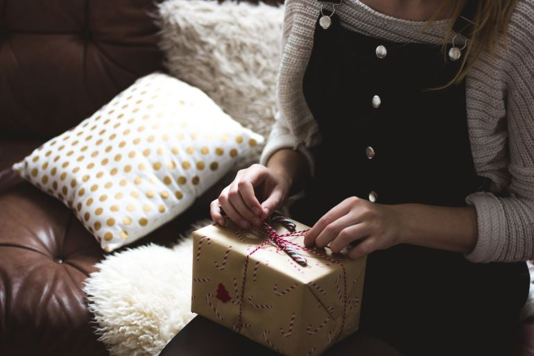 How to survive the holidays if you're grieving